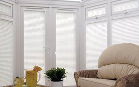 Made-to-measure conservatory blinds