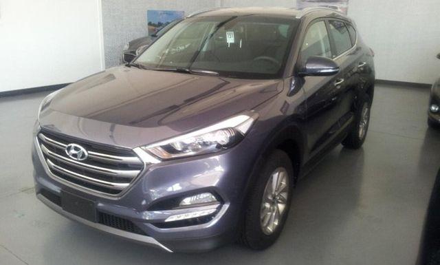 una Hyundai Tucson CRDI grigia