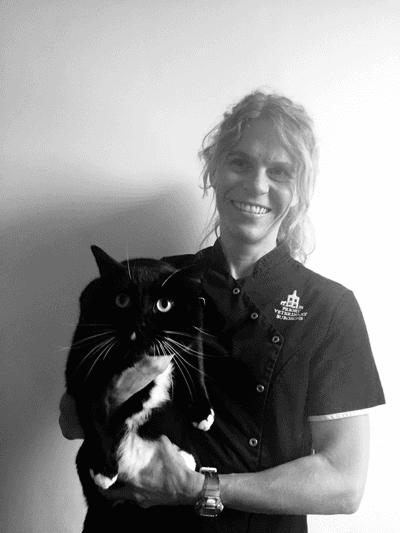 Rebecca Martin BVSc CertSAM MRCVS – Veterinary Surgeon