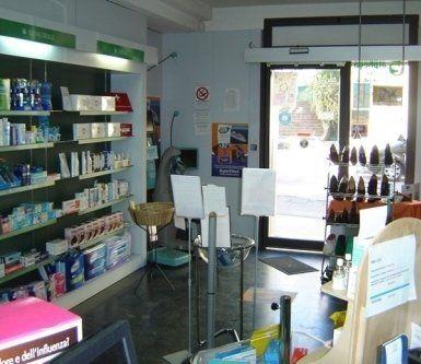 calzature ortopediche, igiene orale, prodotti per capelli