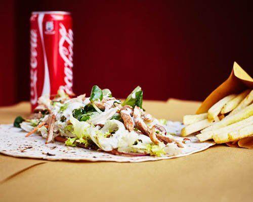 piadina, patatine fritte e coca cola