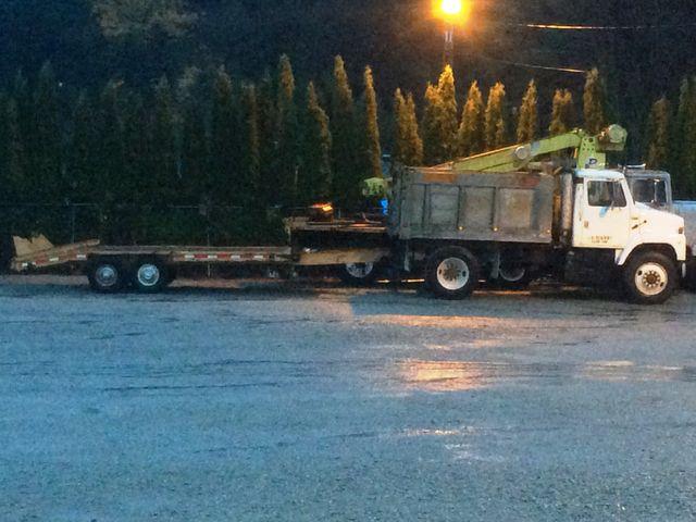 Dump truck for rent Mount Vernon Washington