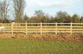 Wooden fences - Hemel Hempstead, Hertfordshire - R.B Fencing - Fencing