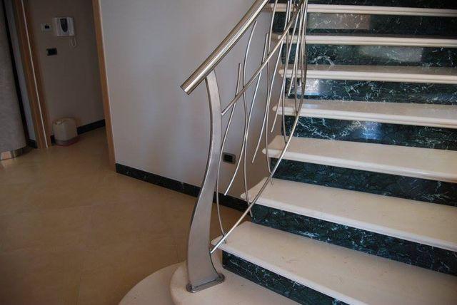 rampe di scale a Laterza, TA
