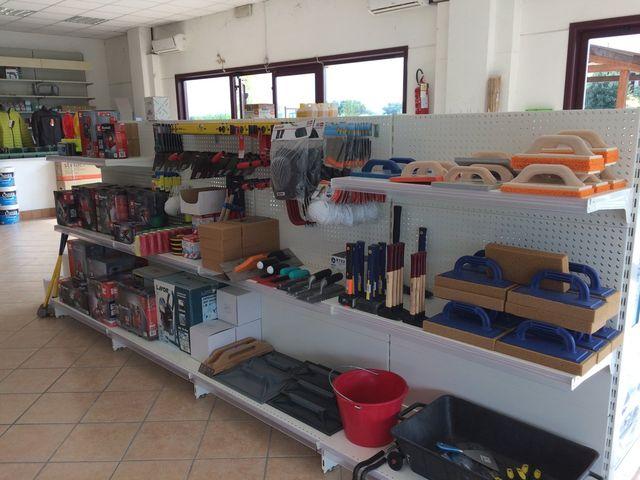 strumenti per la piccola edilizia a Cortona