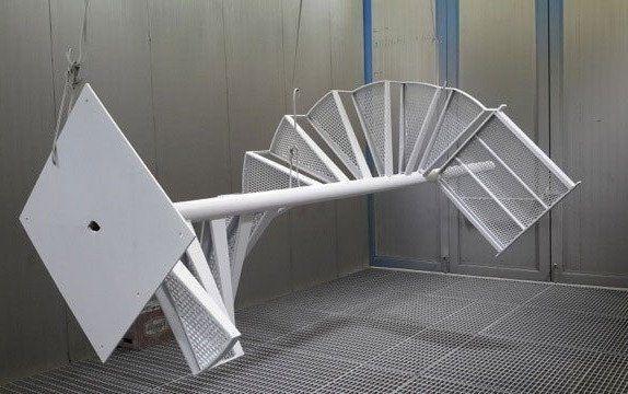 Verniciatura di una copertura in metallo