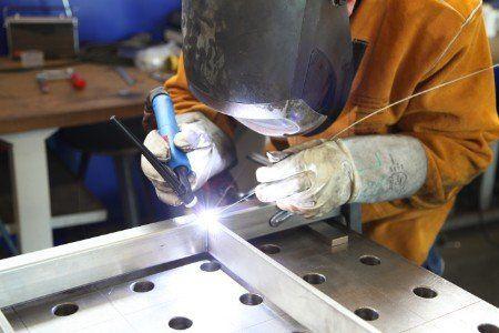 Rifinitura metallica di precisione