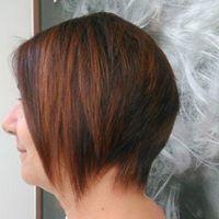 Donna con capelli corti a Galatone