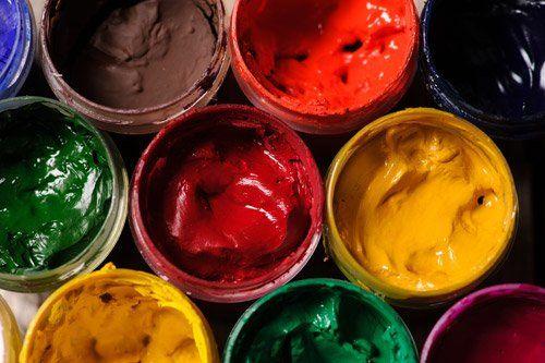 smalti e vernici colorate