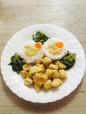 un piatto con riso ed uova
