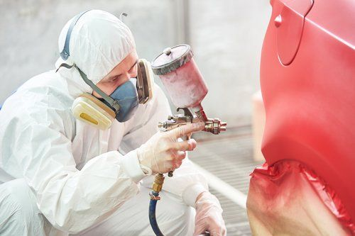 professional auto body painting technician