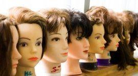 parrucche in capelli naturali, parrucche in capelli sintetici, parrucche capelli corti