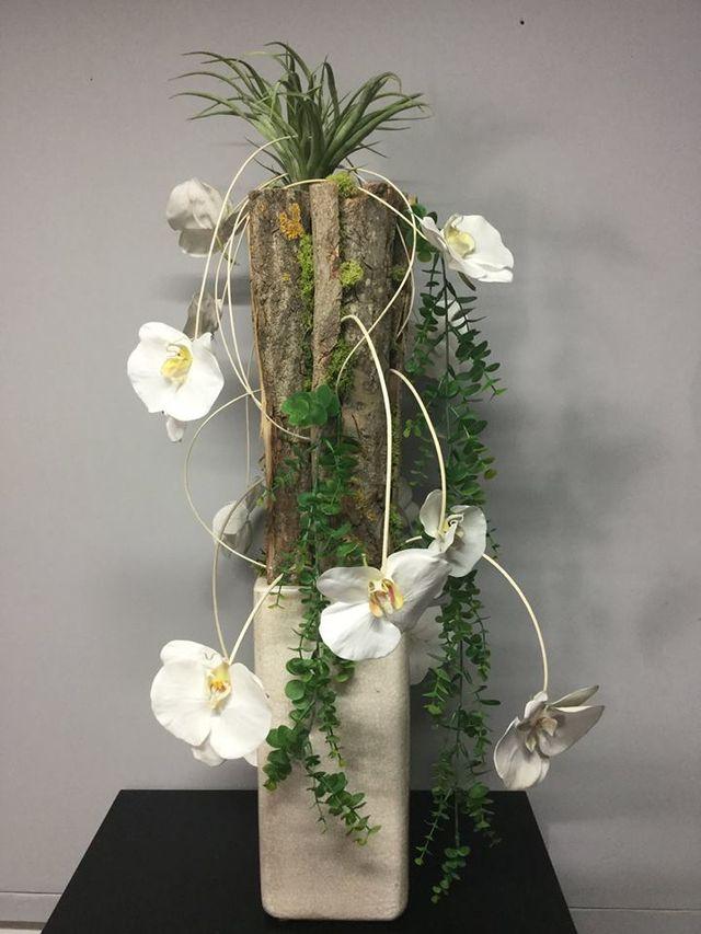 Composizione di orchidee bianche a Palermo