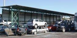 parcheggio di auto da demolire