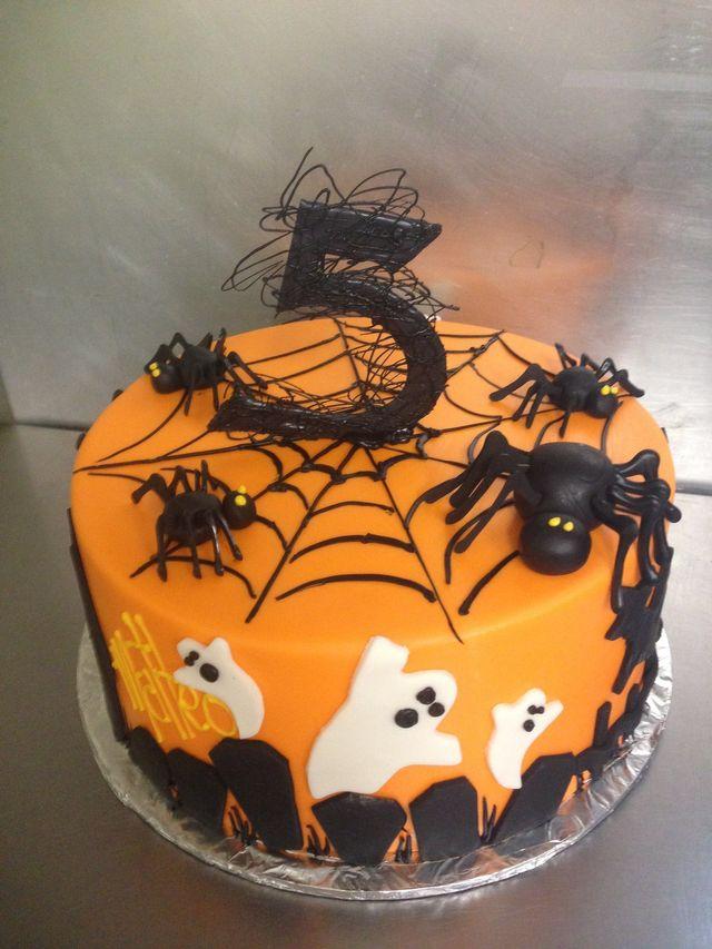 Spider Halloween Cake Halloween Birthday Cakes Popsugar Moms