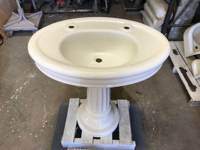 Cool Vintage Clawfoot Tubs Sinks Durafinish Interior Design Ideas Gentotryabchikinfo