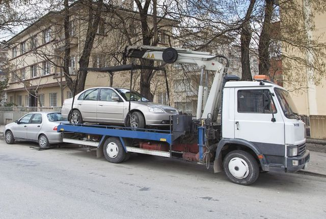Tow truck emergency car