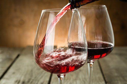 due bicchiere di vino rosso