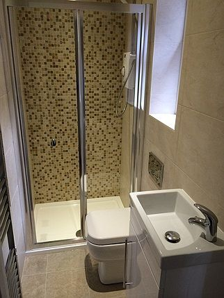 Shower cubicle installations