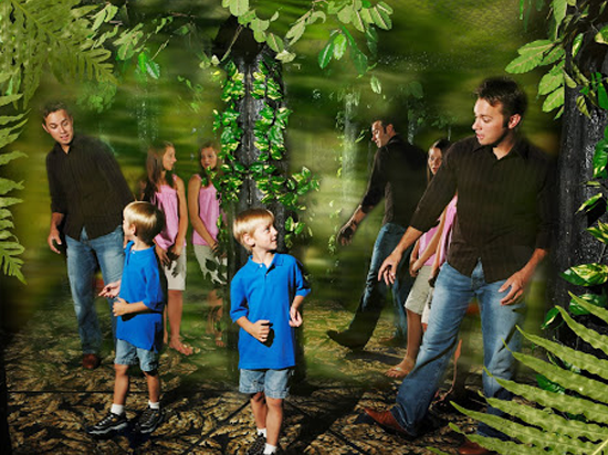 The Butterfly Palace & Rainforest Adventure - Branson, MO 65616 - Mirror Maze