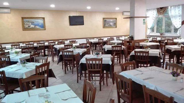 Interno del ristorante pizzeria Donna Sofì ad Avigliana