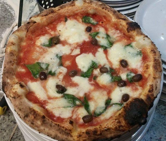 Pizza napoletana al Ristorante Pizzeria Donna Sofi' ad Avigliana