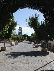 loreto church.jpg (80074 bytes)