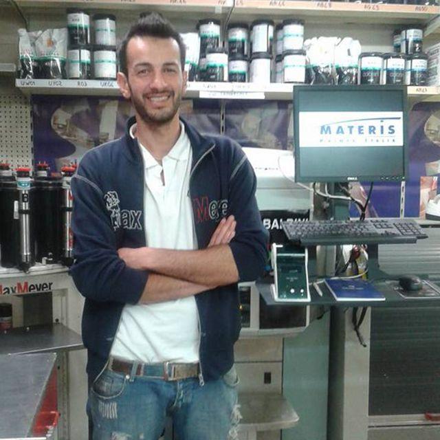 Anile Massimo - Addetto alle vendite - Spelgatti Colori - Collaboratore da 5 anni.