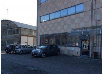 vista esterna del negozio di elettromeccanica