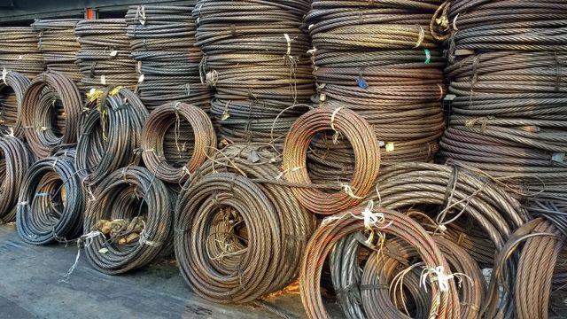 bobine di ferro in magazzino