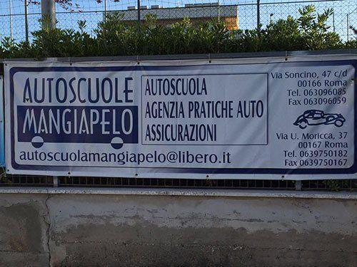 Banner con i servizi dell'autoscuola
