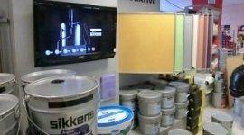 contenitori di vernici a marchio SIKKENS