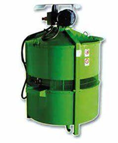 una bombola di un compressore di color verde
