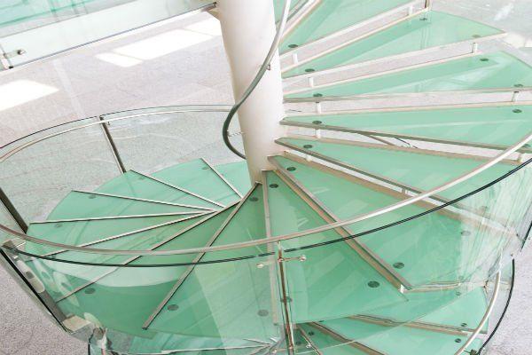Scale a spirale di vetro