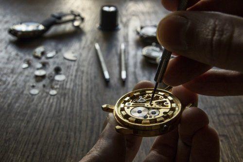 Riparazione di un orologio