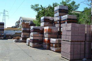 bancali con materiale edile
