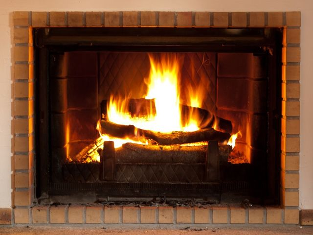 Getting Maximum Enjoyment from Your Woodburning Fireplace