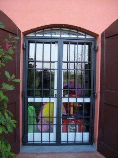 Cancelli di sicurezza modena vetreria artigiana for Cancelletto estensibile