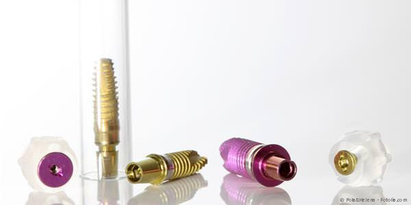 Was sind Zahnimplantate und woraus bestehen sie? Wie werden Implantate gesetzt?