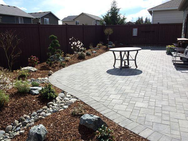 Interlocking patio pavers