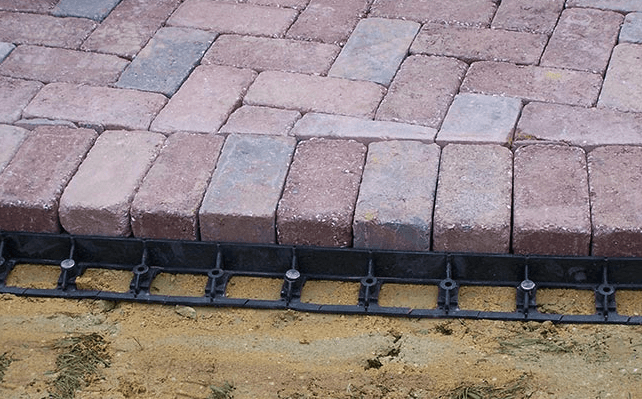 Installing Edge Restraint with pavers