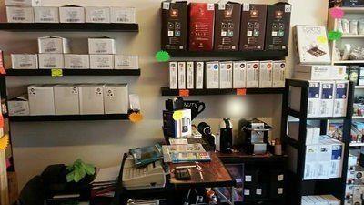 interno di un negozio specializzato nella vendita di caffè'