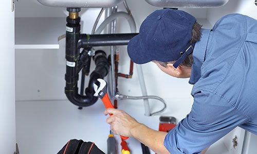 Plumber providing plumbing service in Mooresville