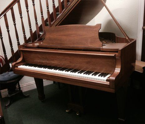Steinway & Sons Grand Model S Beautiful Walnut Case