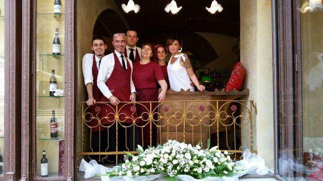Lo staff del ristorante Bottega Mia a Torino