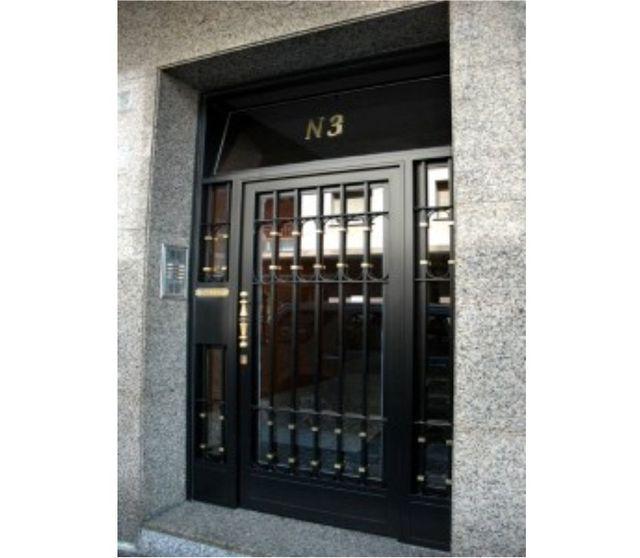 Puertas de hierro de segunda mano para finca cool puertas for Puerta entamborada