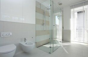 A spacious bathroom
