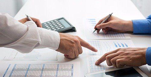 Experts preparing the tax return report