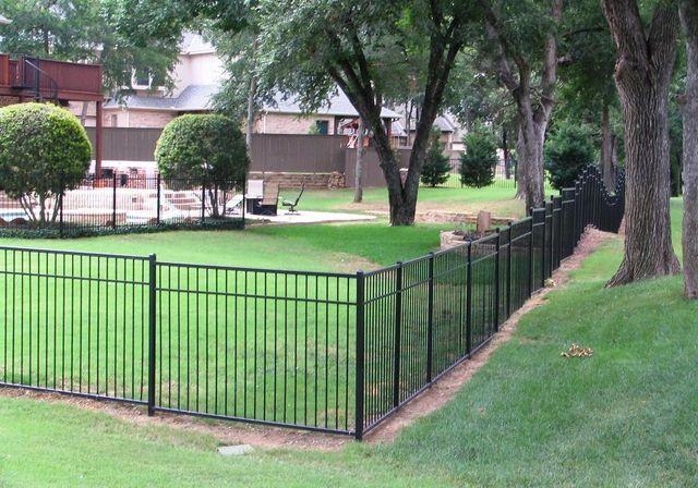 Aluminum fence material