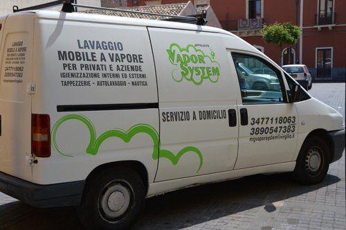 furgone con insegna della ditta MG VAPOR SYSTEM